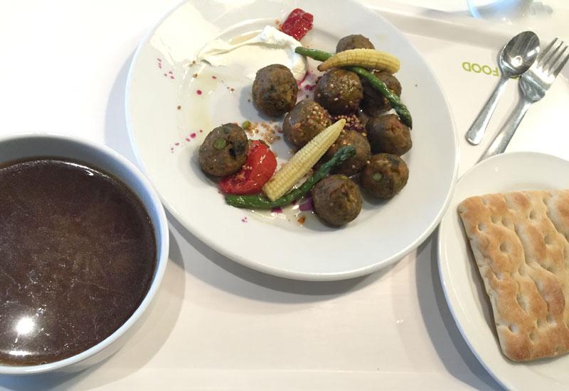 IKEAレストランのディナーセット