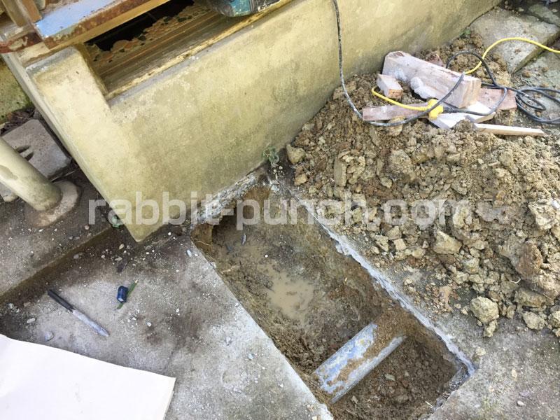 汲み取り式から水洗へのトイレ排水管