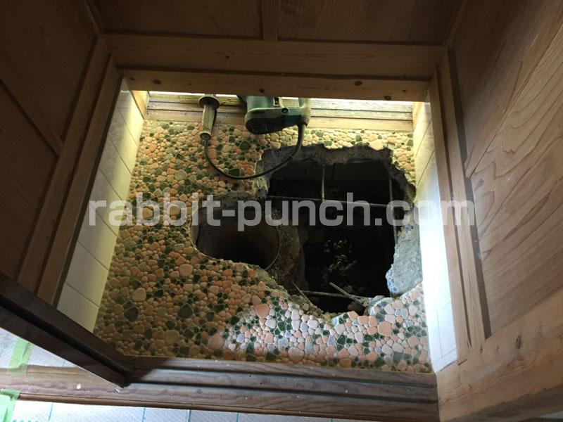 汲み取り式トイレの床削り