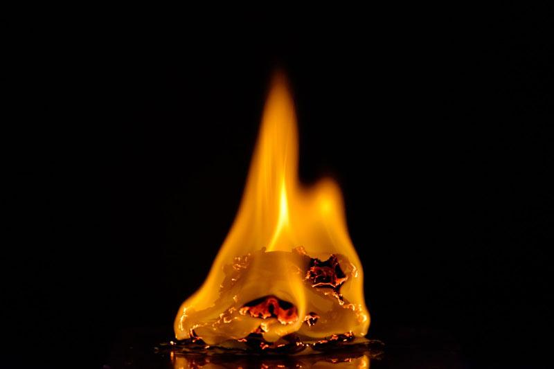 オスモカラーは自然発火に注意?