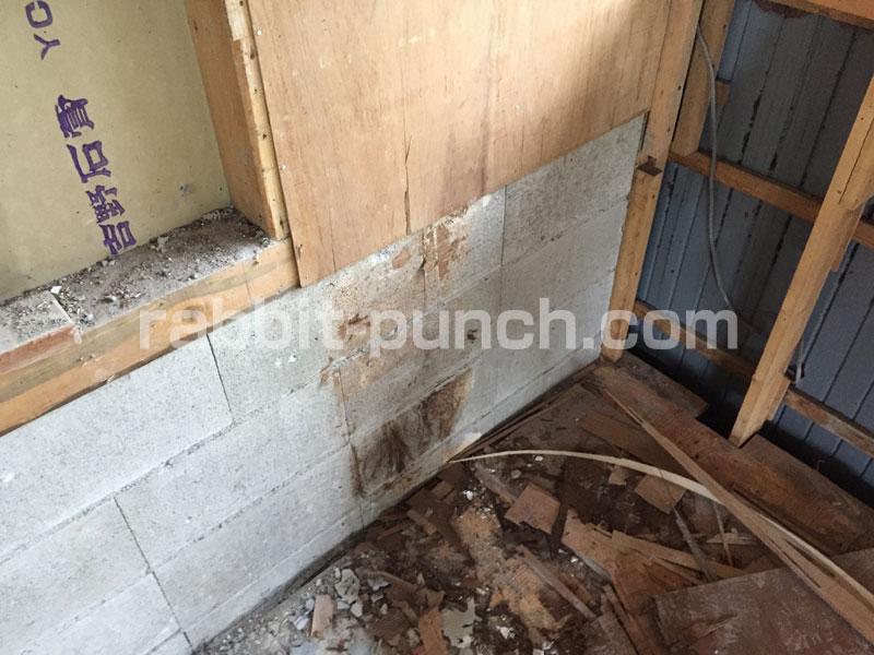 お風呂場の下地はコンクリブロック