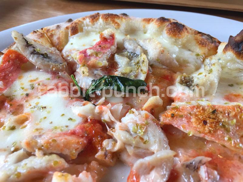 STELLA DI MARE(ステラディマーレ) - 金目鯛やムツといった地魚をふんだんに使ったピザ「フルッティ・ディ・マーレ」は絶品