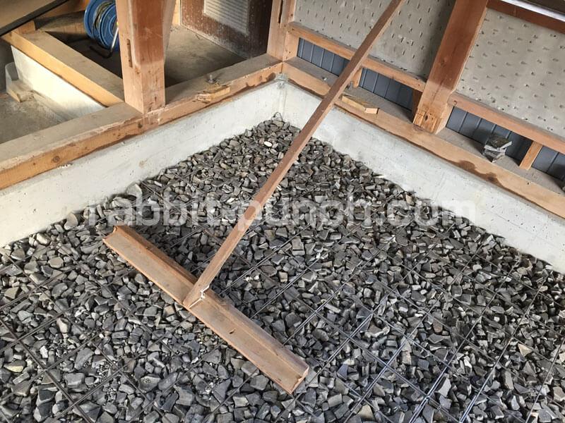 自作したコンクリートレーキ(トンボ)