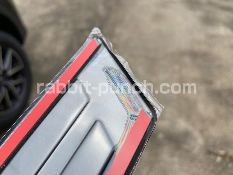 CX-5社外品パーツのスカッフプレートは縁のバリに注意