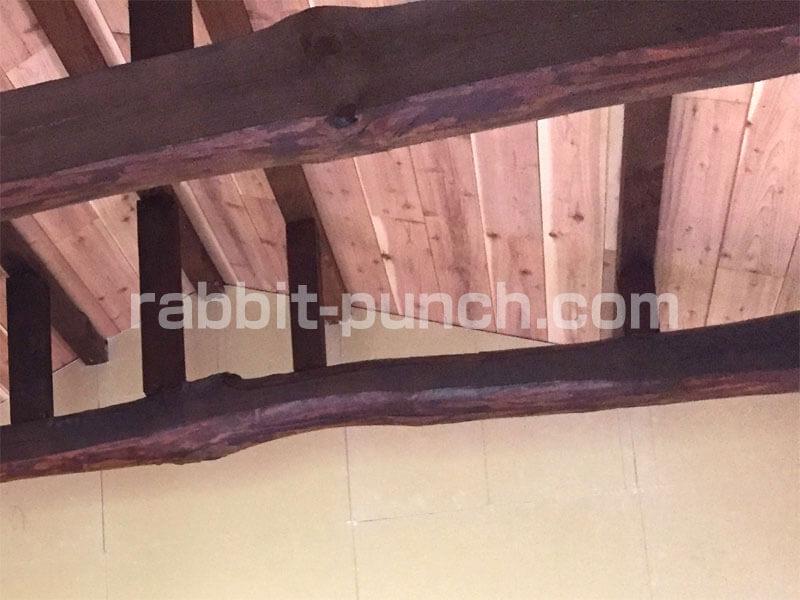 屋根勾配に合わせて綺麗に石膏ボードが貼れた
