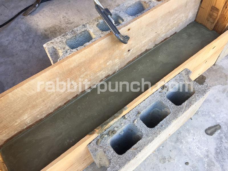 コンクリート型枠で基礎を作る