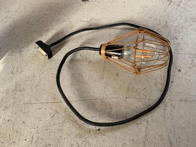 自作したワイヤーランプ