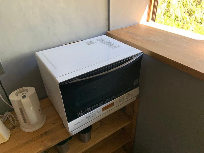 低めに作ったキッチン棚